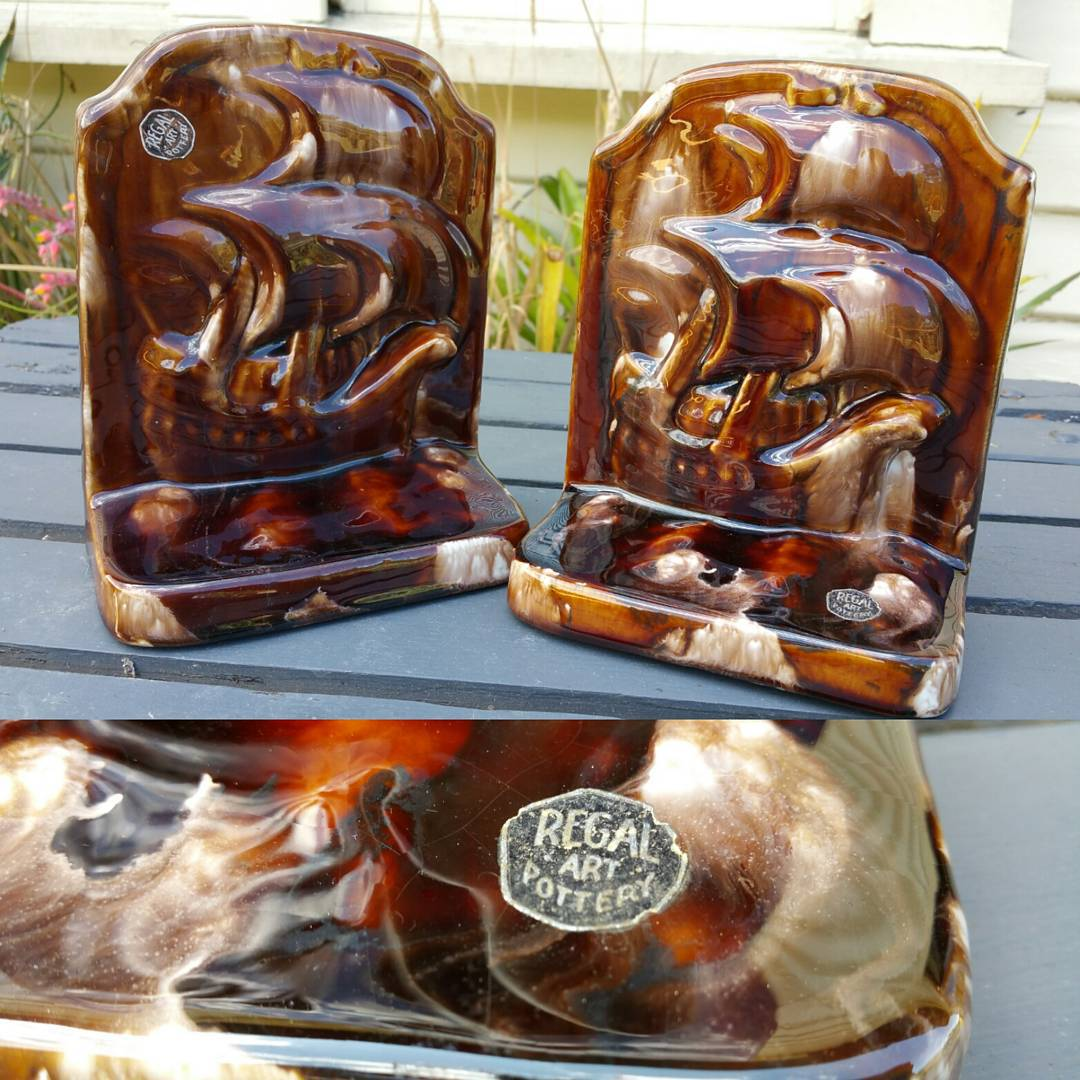 Day 13: Today's piece is a pair of pretty rare bookends by Sydney based pottery Mashman Bros from their Regal Art range circa 1930's. My first purchase of the year and I'm more than chuffed. Thanks to my new best friend Ludo for helping me out. #AustralianPottery #AustralianArtPottery #MashmanBros #MashmanPottery #Mashman #1930s #ArtDeco #Pottery #Ceramics #AustralianDesign #instapottery #NSWPottery #Design #Art #bookends #SailingShips #Sailing #squarerigger #365DaysofAustralianPottery