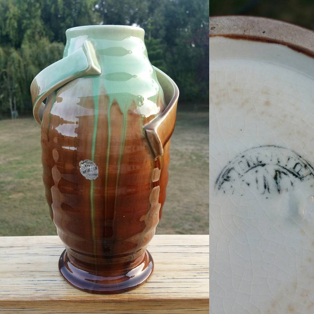 "Day 20: Today's piece is by Bakewell Bros from their Newtone Art Ware line and is the 2nd shape 142 piece I have. This piece is decorated in what i would refer to as the ""standard"" drip glaze green and brown. Chances are if you remember seeing a Newtone vase you've seen it in green and brown. #AustralianPottery #AustralianArtPottery #NSWPottery #BakewellBros #Bakewells #NewtonePottery #NewtoneArtWare #Newtone #australianceramics #Ceramics #Pottery #instapottery #365DaysofAustralianPottery #sydneyceramics #SydneyPottery #Erskinville"