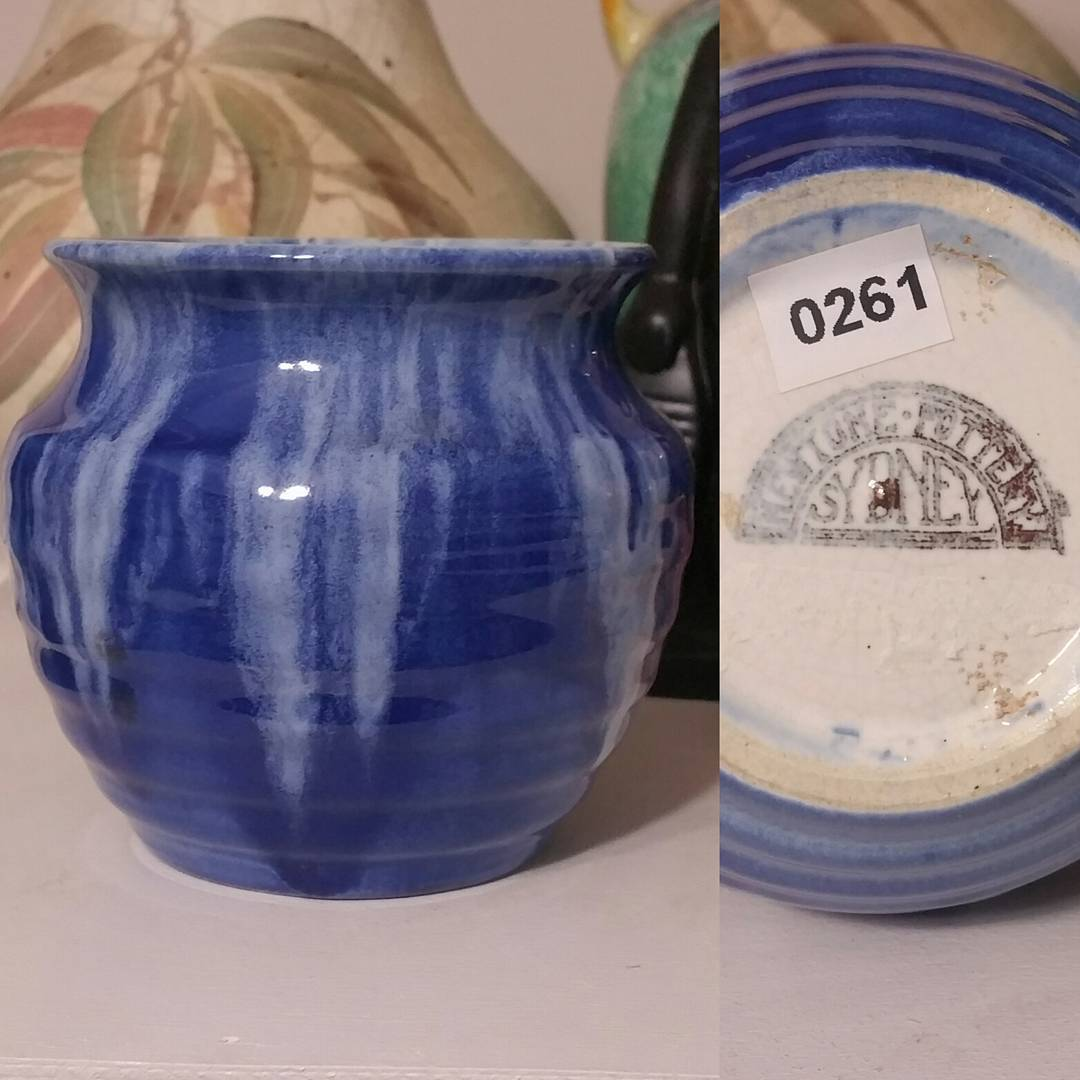 Day 55: Today's piece is another by Bakewell Bros from their Newtone Art Ware line circa 1930's. Blue pieces aren't exactly rare but certainly harder to find. #AustralianPottery #AustralianArtPottery #Pottery #Ceramics #instapottery #AustralianDesign #BakewellBros #Bakewells #NewtonePottery #NewtoneArtWare #Newtone #australianceramics #365DaysofAustralianPottery